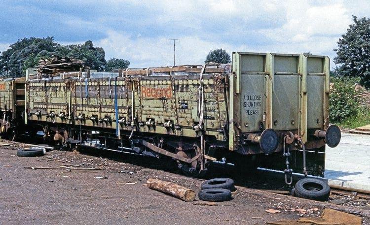 Redland roof tile wagons – Rail Express
