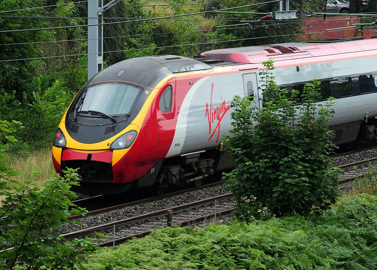 London to Glasgow passengers choose rail over air
